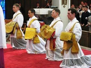 sacerdos 4